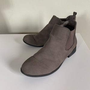 American Rag | Taupe ankle boots | size 8.5